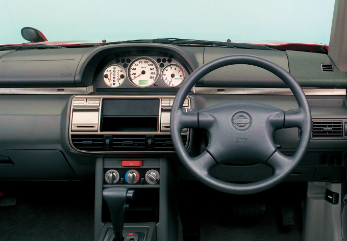 日産 エクストレイル (初代 T30 2000,2007):オフロード性能と