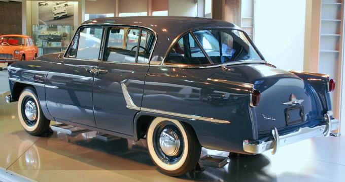 トヨペット クラウンRSD 1955 (出典:wikipedia)