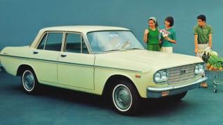 トヨペット クラウン (2代目 S4 '62-'67):初代モデルより大きくモダンかつ高性能に進化