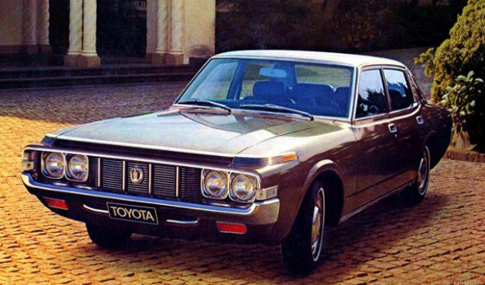 トヨタ クラウン (4代目 S6/7 1971-1974):スピンドルシェイプのクジラ・クラウン