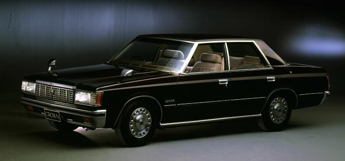 トヨタ クラウン スーパーサルーン 4DrHT 1979-83