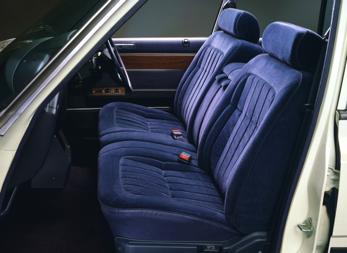 トヨタ クラウン スーパーサルーン 1979-83