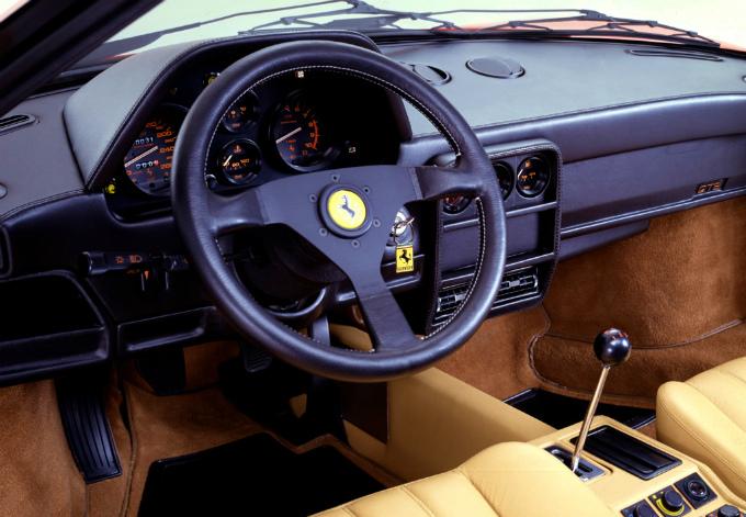 フェラーリ 328GTB 1985