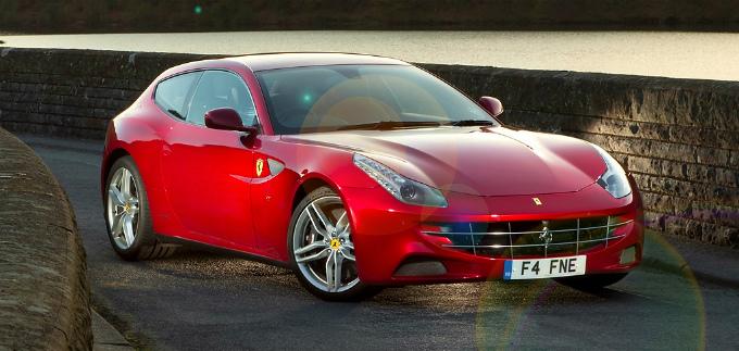 フェラーリ FF 2011(出典:favcars.com)
