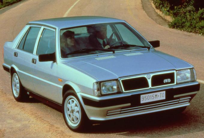 ランチア プリズマ4WD 1986