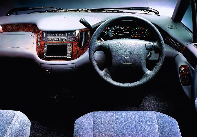 トヨタ エスティマ 1990
