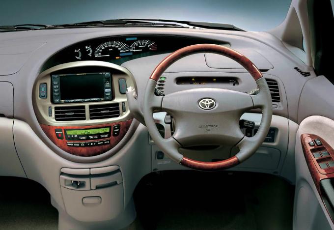 トヨタ エスティマ 2000